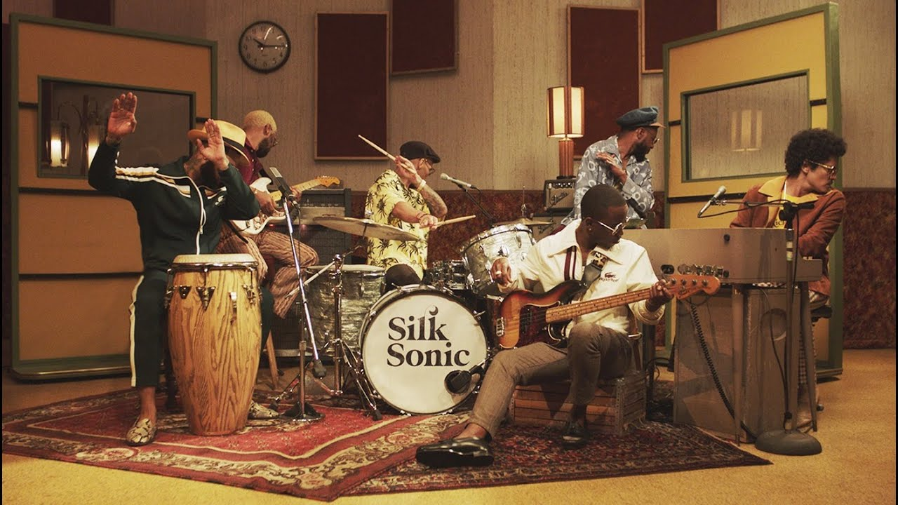 New Video: Anderson Paak & Bruno Mars | Silk Sonic - Leave the Door Open