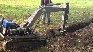 RC-Bagger bei Grabenarbeiten Teil 1