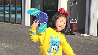 보람이와 물고기 장난감 물놀이 Boram plays With Wild Animals in Blue Pool Water Shark Toys