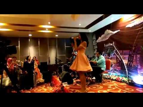 Mikha Tambayong Live at Hotel Remcy Panukkukang, Makassar