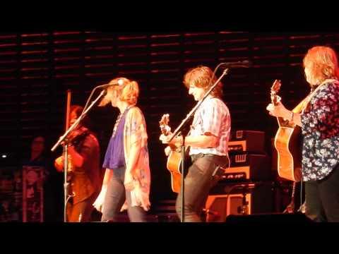 Closer To Fine - Indigo Girls with Jennifer Nettles 8/29/14