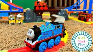 Величезний Томас і друзі іграшка поїзд трек побудувати з залізничного лабораторії
