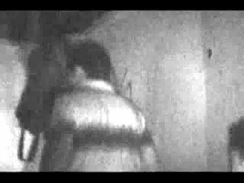 FANTASMI Fantasma di una bambina uccisa in una casa VERO VID