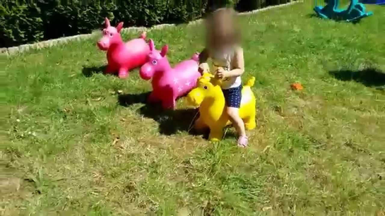 Petit parcours dans le jardin par eug nie youtube - Dutronc petit jardin youtube limoges ...