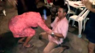 Play La Fiesta Se Pone Buena