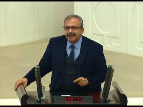 Sırrı Süreyya Önder'den AKP'lilere: Demirtaş ile lideriniz arasındaki fark, arabesk ile türkü gibi