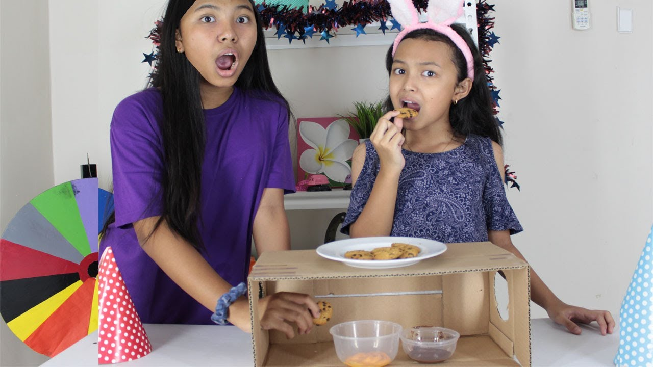 COOKIE ROULETTE CHALLENGE ♥ Food Challenge Keira Charma