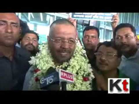 Firhad Hakim Greeted With Garlands After Returning From Haj