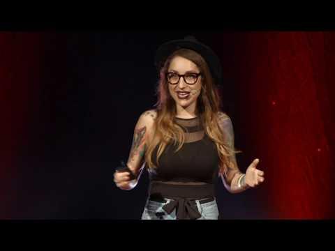 """Nejbarevnější Cesta   Kamila """"Kamu"""" Rundusová   TEDxPrague"""