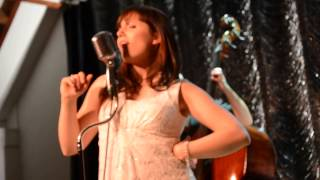 CC De Breughel - I wish I could Shimmy Like My Sister Kate - Little Kim & the Alley Apple 3
