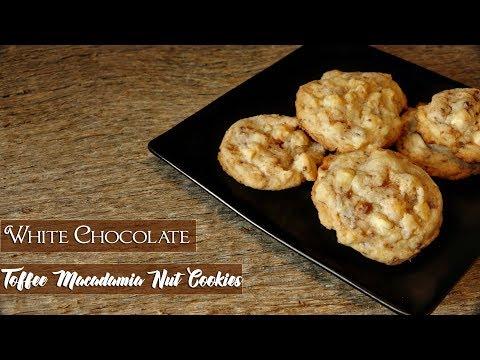 White Chocolate Toffee Macadamia Nut Cookies