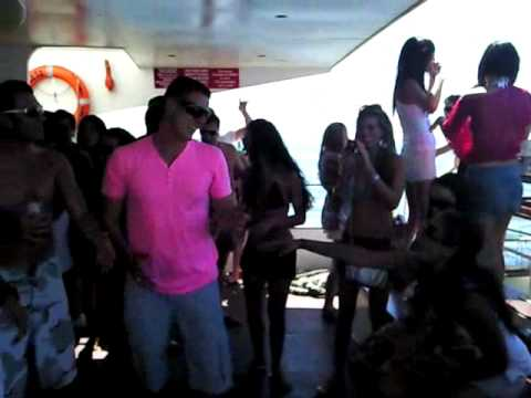 Cape Town yacht Party
