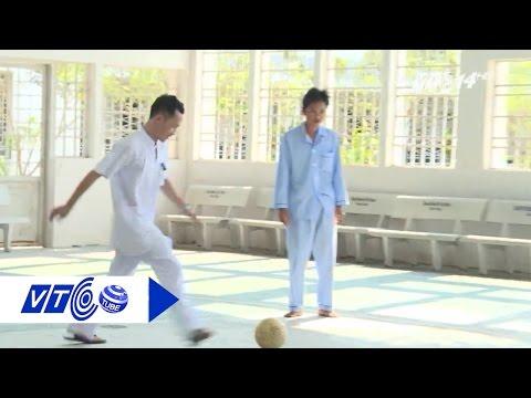 Bác sĩ chơi cùng bệnh nhân tâm thần | VTC