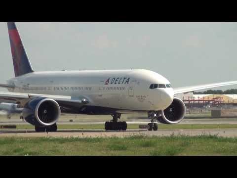 Spectacular Delta 777-200LR Takeoff Minneapolis Int'l Airport HD