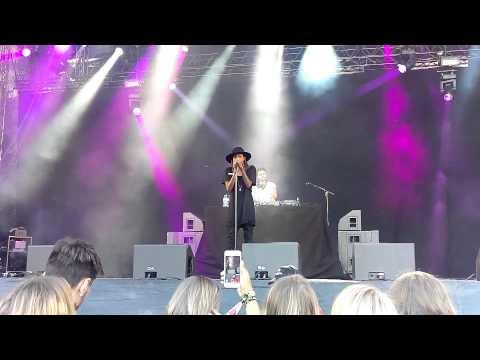 Angel Haze - Werkin' Girls (Live@Popaganda)