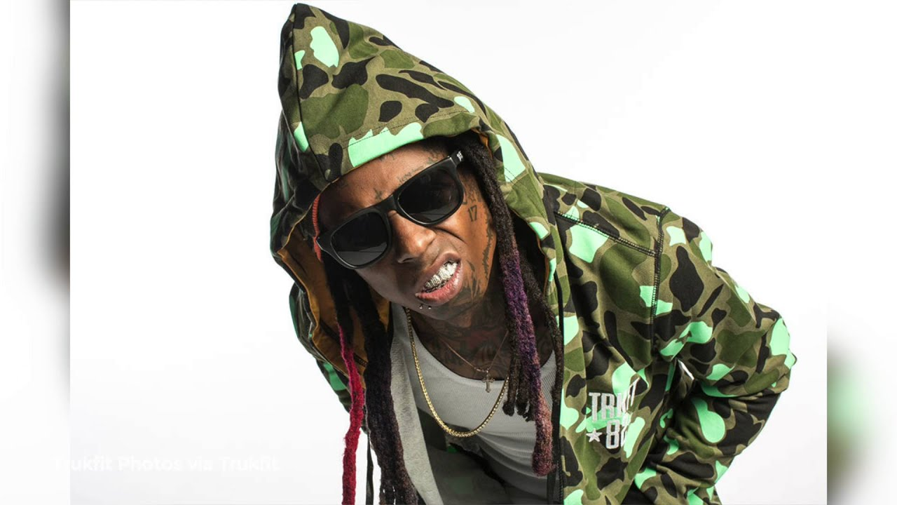 Lil Wayne took to Twitter last night to unveil two new signings to Young Money Sports Weezy announced that he has signed LSU linebacker Duke Riley as well as