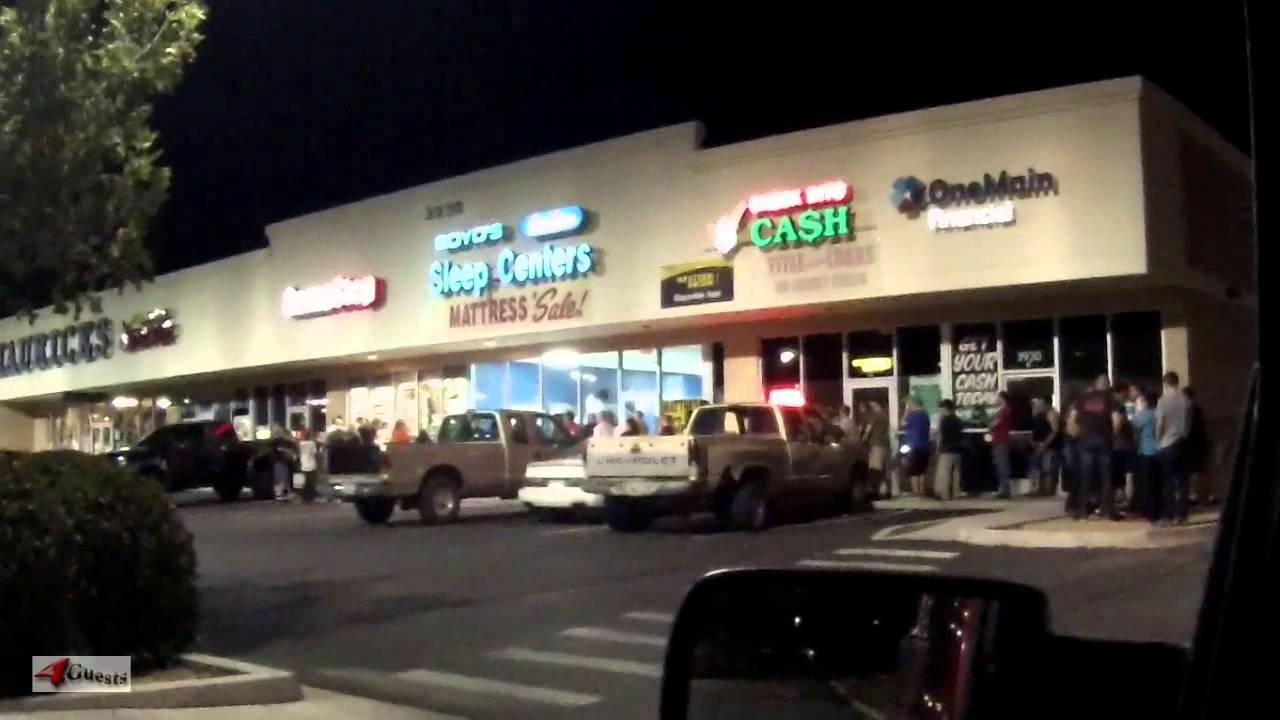 Grand Theft Auto V Midnight Release Walmart Vs Game Stop