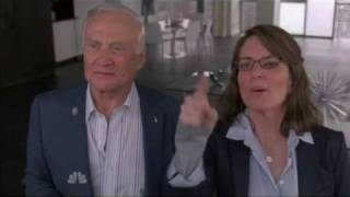 30 Rock: Liz yells at the moon with Buzz Aldrin