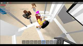 Fighting in roblox. BGC Sweetie I won the fight.