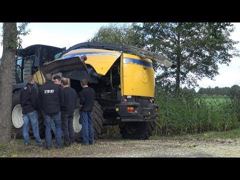 Mais hakselen, pech met de hakselaar, service op het veld en modderen - loonbedrijf Zandman (2017)