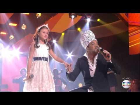"""Rafa Gomes e Carlinhos Brown Cantam """"É Tão Lindo"""""""