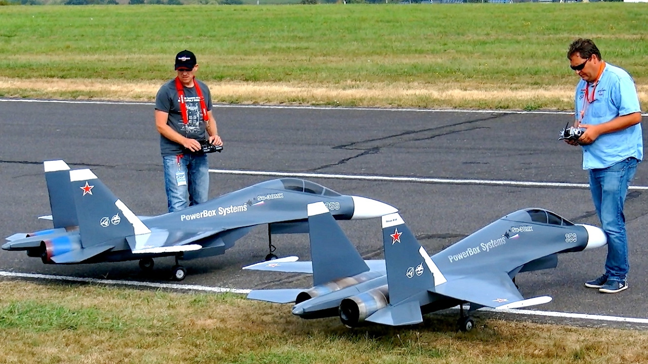 GREAT RC JET MODEL SHOW WITH 2X SUKHOI SU-30 MK ELSTER JET TEAM FLIGHT TO MUSIC