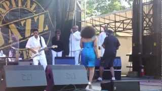 "Stephanie Mills joined by Anita Baker LIVE ""Never Knew Love"""