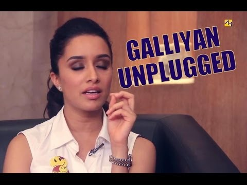 Shraddha Kapoor Singing Galliyan Unplugged Version With Siddharth Malhotra On Freaky Fridays!