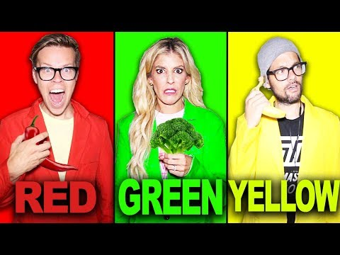 last-to-stop-eating-their-colored-food-challenge!-|-matt-and-rebecca