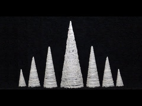DIY: Christmas Trees made of Paper and Strings