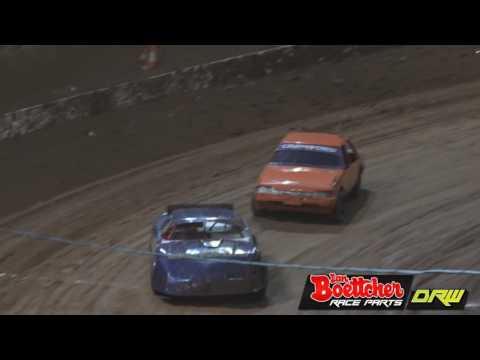 Open Sedans A-Grade - A-Main - Brisbane Speedway - 15.10.16 - dirt track racing video image