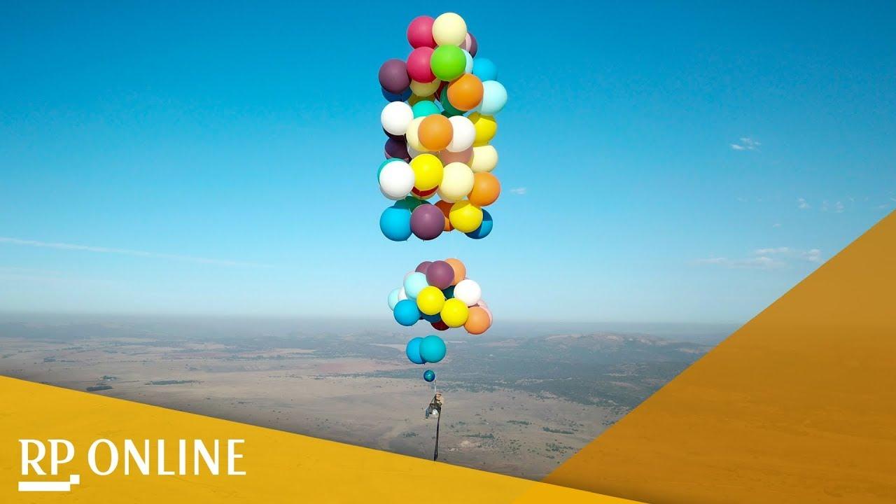 Tom Morgan Hebt Auf Einem Stuhl Mit 100 Helium Ballons Ab