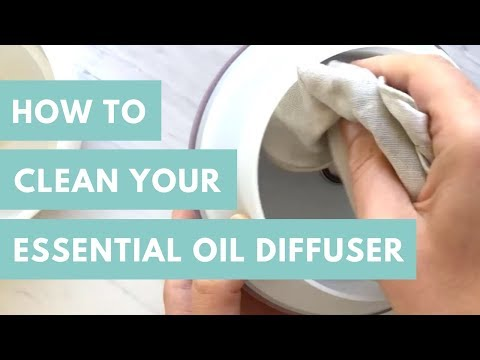 Quick Tip: How To Clean Your Essential Oil Diffuser (Bonus: Fresh and Clean Diffuser Blend)