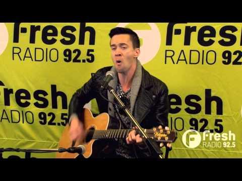 Santa Clara - Human (Live at 925 Fresh Radio)