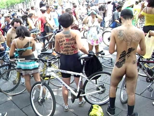 World Naked Bike Ride Guadalajara 2014 (el niño mas guapo del evento 3)