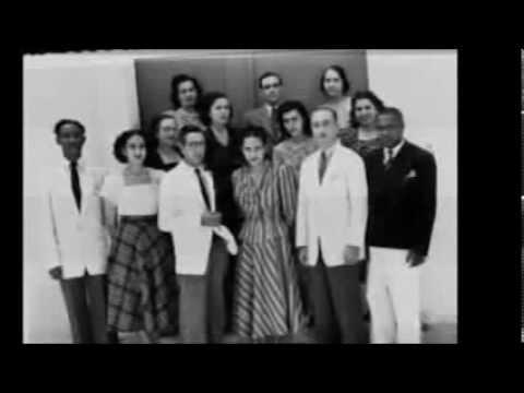 Moda anos 40 youtube for Mobilia anos 40