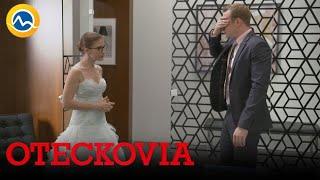 OTECKOVIA - Emine svadobné šaty sú zelená katastrofa
