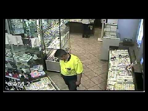 Man steals tray of rings from Melbourne jewellery store