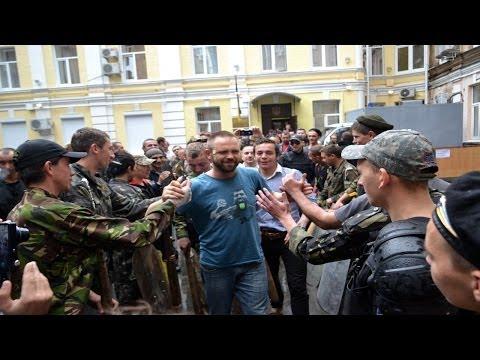 В Киеве суд выпустил активиста Евромайдана подозреваемого в стрельбе 2-го мая в Одессе