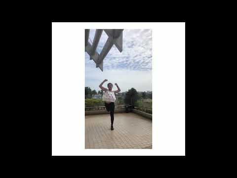 Saniya iyyappan hot dance