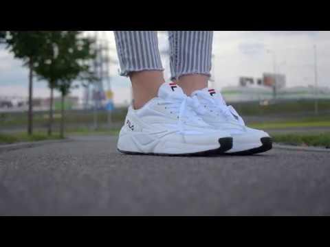 Видеообзор на кроссовки Fila Venom Triple White от магазина Filaoutlet.ru
