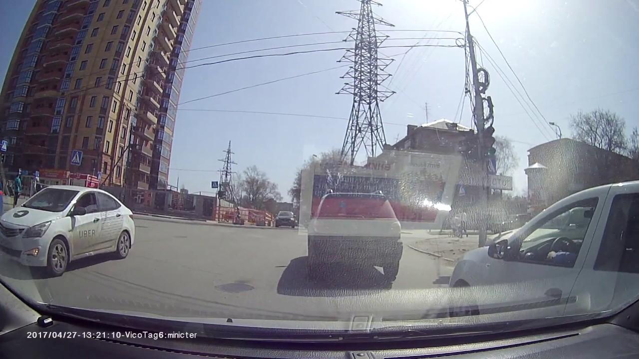 Подрезал. Хамло на дороге. Олень обыкновенный Е468АМ154 рено логан