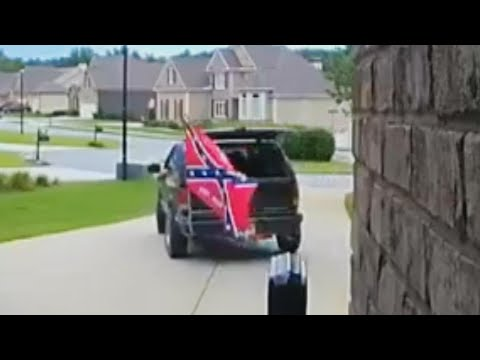 Woman Politely Turns Away Contractor With Confederate Flag