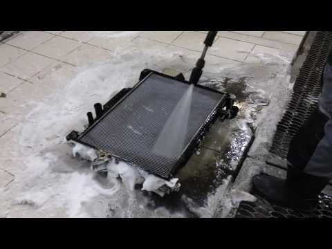 видео: Мойка радиаторов