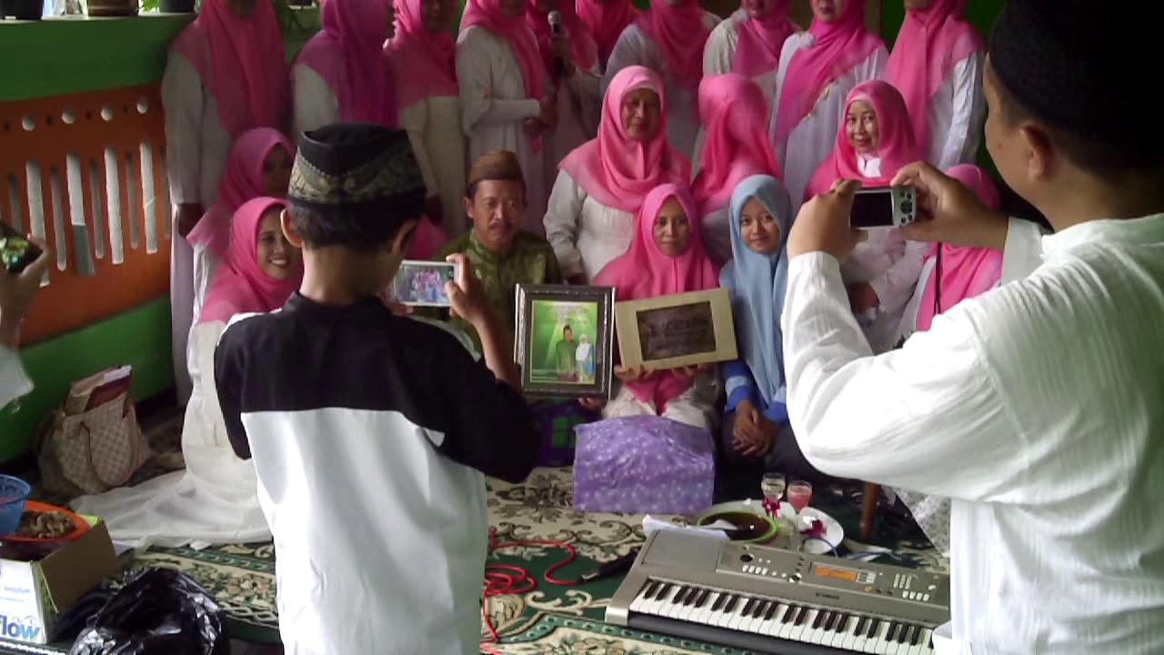 Contoh Ulang Tahun Pernikahan Keluarga Muslim Bangau Putih Permai