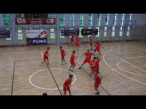 Techniques of defence: stealing, traps and blocking by EHF Lecturer Klaus Feldmann