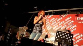 20101023 安娜在台灣舉辦的小型Acoustic演唱會!第五首是新專輯的抒情主...