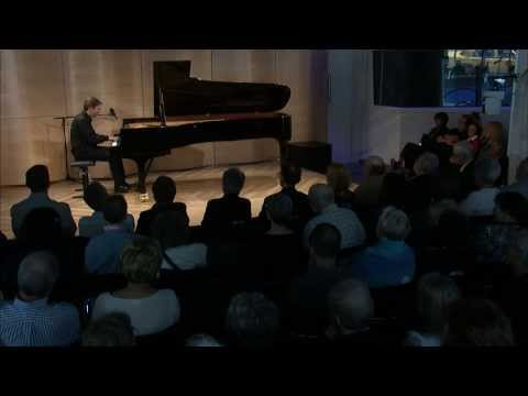 Leif Ove Andsnes performs Beethoven, Sonata #22 opus 54