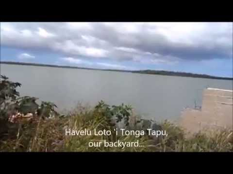 Tenisia with Tongan language and  childhood home  in Havelu, die Südsee.