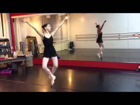 Kira Kosarin ballet Class. - YouTube - 12.8KB